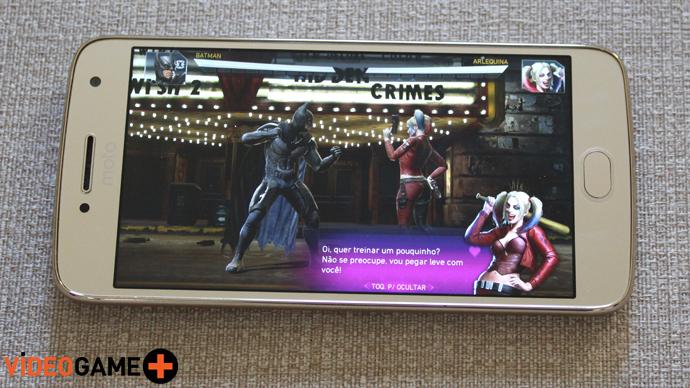Moto G5 Plus rodando Injustice 2 Mobile