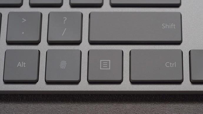 Microsoft Modern Keyboard - teclado com sensor biométrico